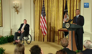 Former President George H. W. Bush and President Obama at the White House July 15, 2013. (credit:Twitter)