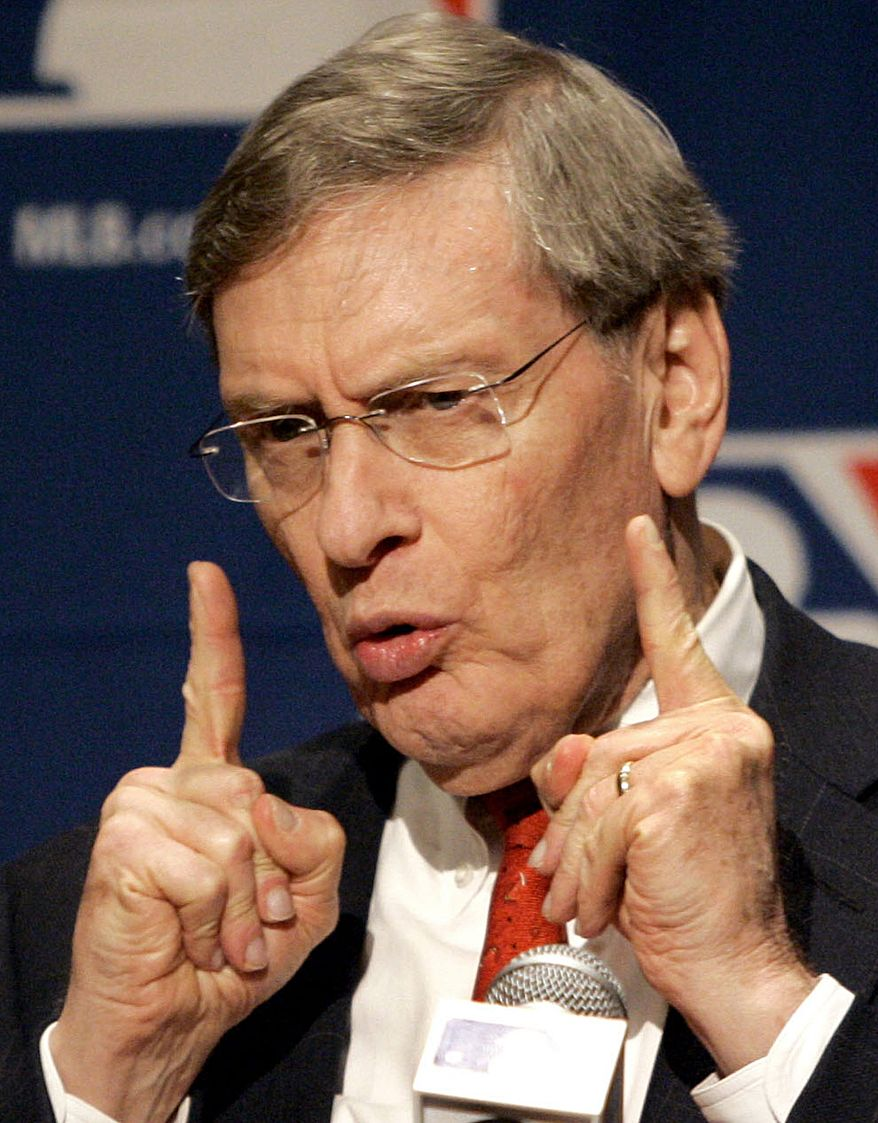 ** FILE ** In this Jan. 17, 2008 file photo, Baseball Commissioner Bud Selig addresses the media during a news conference in Scottsdale, Ariz.  (AP Photo/Matt York, File)