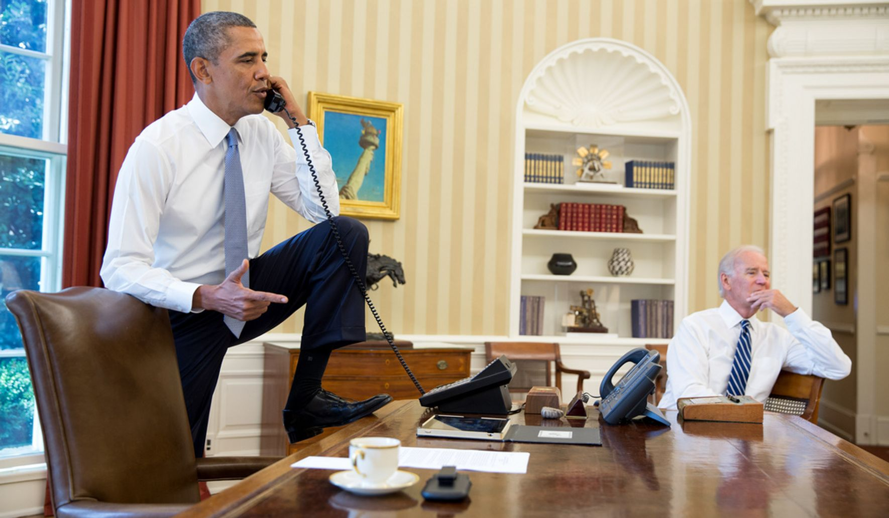 Obama Oval Office Address Not So Much >> Obama S Foot On Oval Office Desk Sends Shockwaves Around The World