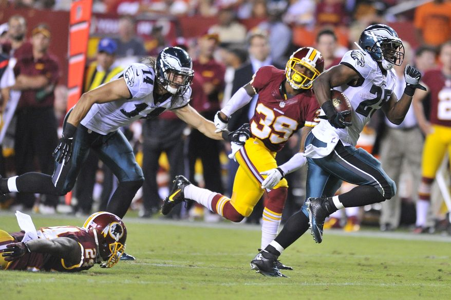 Philadelphia Eagles running back LeSean McCoy (25) runs in for a 34-yard touchdown in the third quarter as the Washington Redskins play the Philadelphia Eagles in Monday Night NFL football at FedExField, Landover, Md., Monday, September 9, 2013. (Preston Keres/ For The Washington Times)