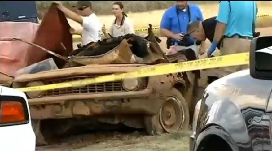 Authorities in Oklahoma pulled two cars from a lake that could finally solve a pair of decades-old cold cases. (Image: KOKH Fox 25, Oklahoma City)