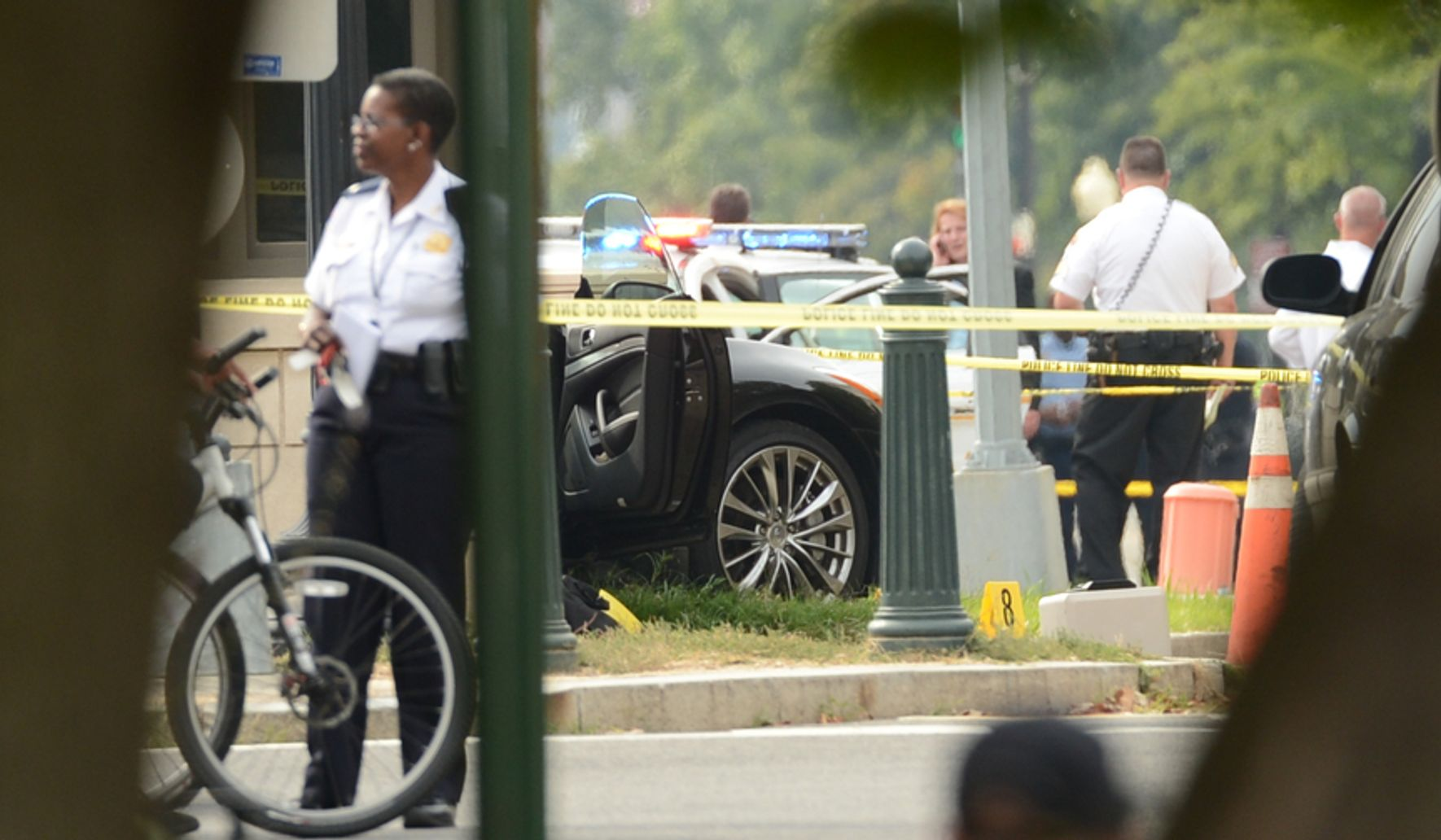 Police chase near White House, Capitol ends with crash