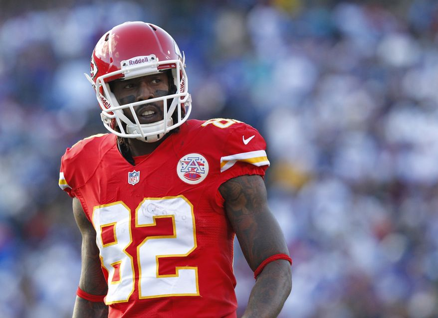 Kansas City Chiefs Dwayne Bowe (82) prepares for a play in an NFL football game against the Buffalo Bills in Orchard Park, N.Y. Sunday, Nov. 3, 2013. Kansas City won 23-13. (AP Photo/Bill Wippert)