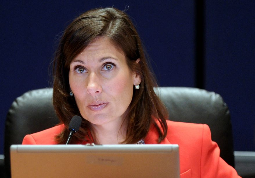 "National Transportation Safety Board Chairwoman Deborah Hersman calls Thursday for a probe of the government agency charged with ensuring the safety of tour buses, saying its own look into four crashes that killed 25 people raises ""serious questions"" about how well the agency is doing its job. (Associated press)"