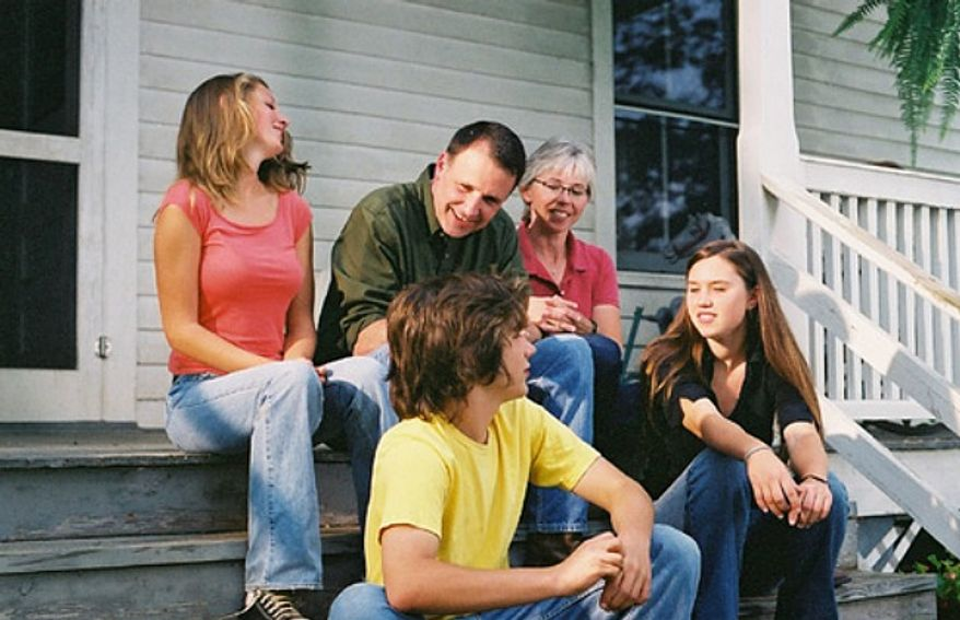 Creigh Deeds with his then-wife Pam and family in a 2005 photo posted to his Flickr page. (CreighDeeds.com/Flickr)