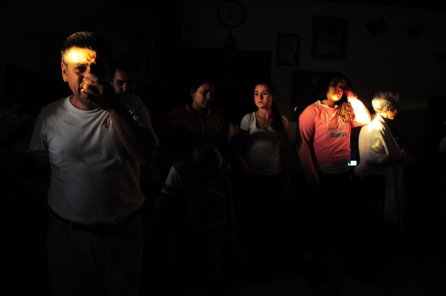 People gather at the home of the parents of Texas death-row inmate Edgar Tamayo in Miacatlan, Mexico, Wednesday, Jan. 22, 2014. The Mexican national was executed Wednesday night in Texas for killing a Houston police officer, despite pleas and diplomatic pressure from the Mexican government and the U.S. State Department to halt the punishment. Tamayo, 46, received a lethal injection for the January 1994 fatal shooting of Officer Guy Gaddis, 24. (AP Photo/Tony Rivera)