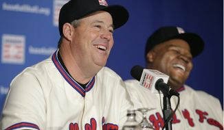 Former Atlanta Braves pitcher Greg Maddux, left, and former Chicago White Sox slugger Frank Thomas laugh during a press conference announcing their election into the 2014 Baseball Hall of Fame class, Thursday, Jan. 9, 2014, in New York. Former Atlanta Braves pitcher Tom Glavine was also elected into the Hall of Fame. (AP Photo/Kathy Willens)