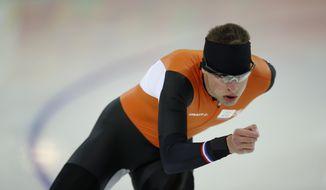 Speedskater Sven Kramer of the Netherlands trains at the Adler Arena Skating Center during the 2014 Winter Olympics in Sochi, Russia, Friday, Feb. 7, 2014. (AP Photo/Pavel Golovkin)