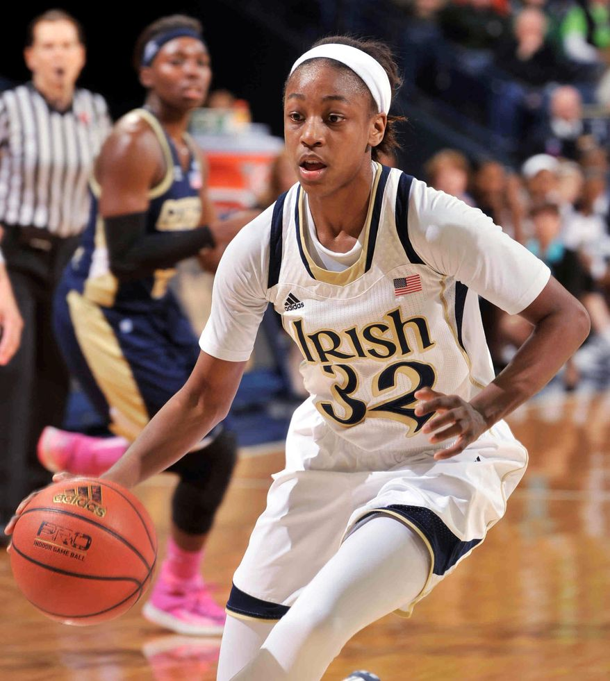 Notre Dame guard Jewell Loyd drives the lane during  the first half of an NCAA college basketball game against Georgia Tech, Monday, Feb. 17, 2014, in South Bend, Ind. (AP Photo/Joe Raymond)
