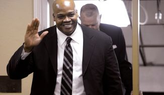 Georgia Sports Hall of Fame inductee Frank Thomas is introduced during a reception prior to the induction ceremony Saturday night, Feb. 22, 2014, in Macon, Ga. (AP Photo/The Telegraph, Jason Vohrees)