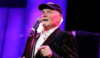 Beach Boys singer Mike Love serenades the crowd gathered to honor his civic spirit, which also warranted tributes from former President H.W. Bush and Nancy Reagan. (Mike Love)