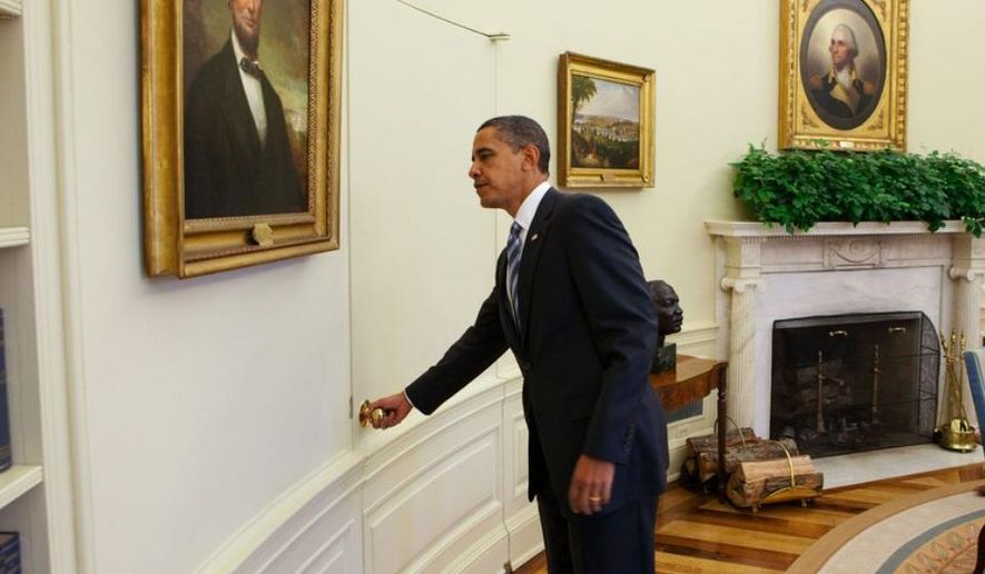 President Barack Obama opens the door of the Oval Office to welcome Minister Mentor Lee Kuan Yew of Singapore, Oct. 29, 2009. (Official White House Photo by Chuck Kennedy)