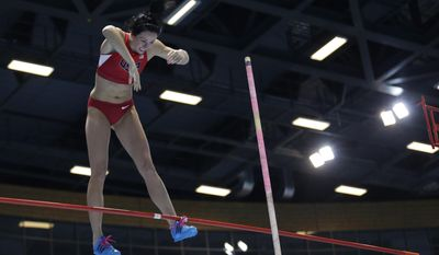 United States' Jennifer Suhr fails in an attempt at the women's pole vault during the Athletics Indoor World Championships in Sopot, Poland, Sunday, March 9, 2014.  (AP Photo/Matt Dunham)