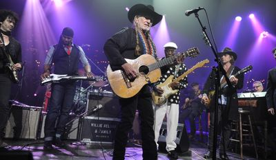 From left Doyle Bramhall II, Robert Randolph, Willie Nelson, Buddy Guy, Lukas Nelson perform during the finale of the Austin City Limits Hall of Fame on Saturday night April 26, 2014. (AP Photo/Courtesy of KLRU, Scott Newton)