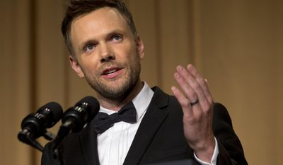 """Actor and comedian Joel McHale, pictured at the 2014 White House Correspondents' Association dinner, again honors fellow funnyman Robin Williams on Friday night on his E! TV show """"The Soup."""" (AP Photo/Jacquelyn Martin)"""