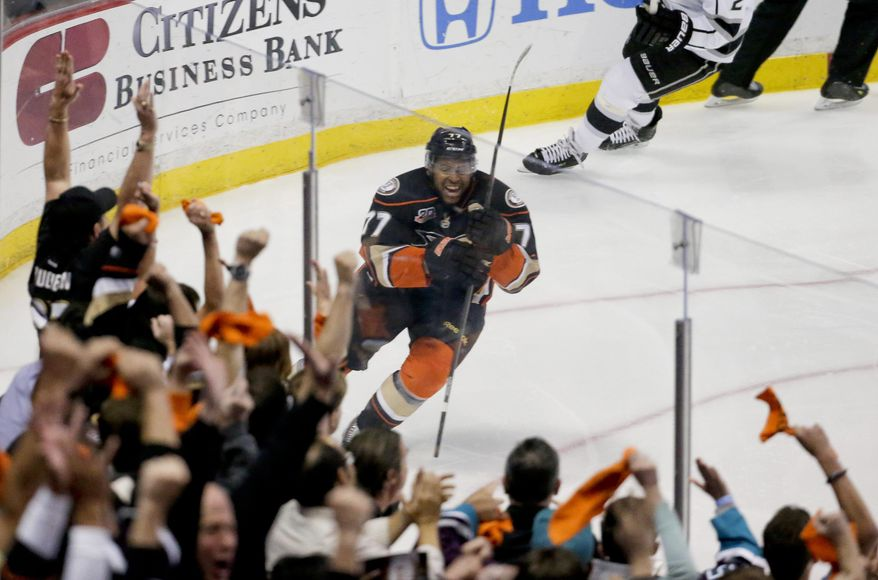 Anaheim Ducks right wing Devante Smith-Pelly celebrates after scoring during the second period in Game 5 of an NHL hockey second-round Stanley Cup playoff series against the Los Angeles Kings in Anaheim, Calif., Monday, May 12, 2014. (AP Photo/Chris Carlson)