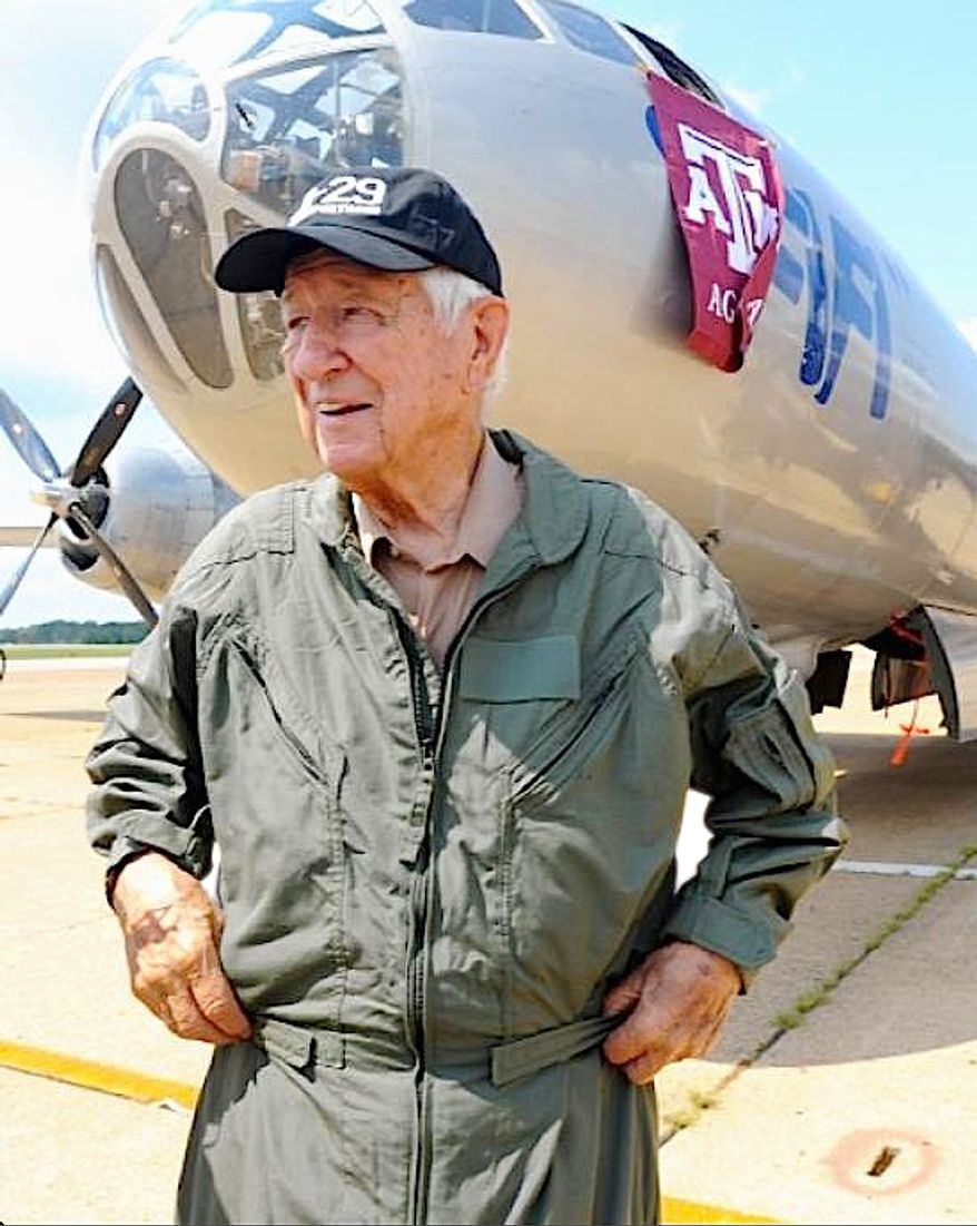 Rep. Ralph Hall, Texas Republican and a U.S. Navy aircraft carrier pilot from 1942-45, is among lawmakers headed to a salute to members of Congress who are also vets. (Associated Press)