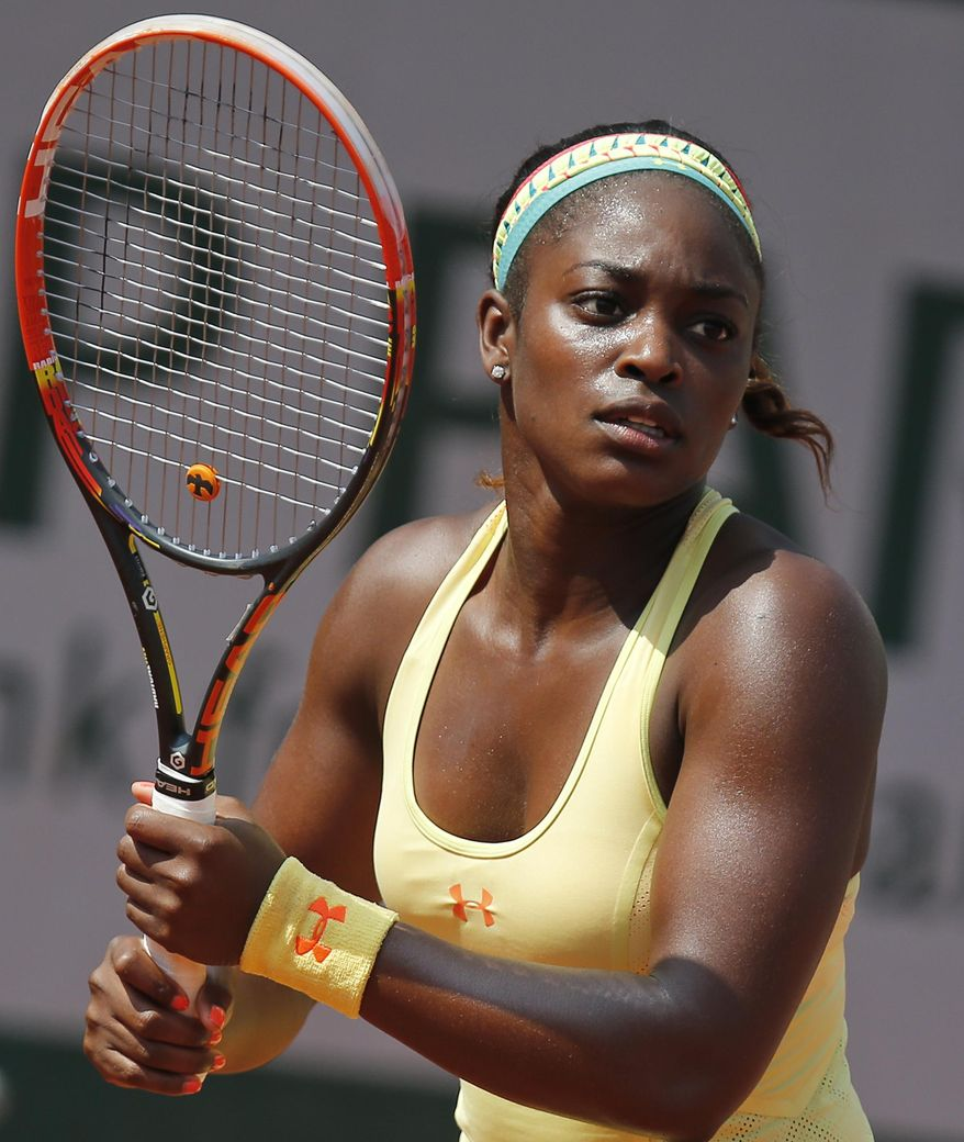 Sloane Stephens of the U.S. waits to return the ball during the third round match of the French Open tennis tournament against Russia's Ekaterina Makarova at the Roland Garros stadium, in Paris, France, Saturday, May 31, 2014. Stephens won in two sets 6-3, 6-4. (AP Photo/David Vincent)