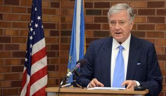 Former Republican U.S. Sen. Larry Pressler, an independent candidate for U.S. Senate in South Dakota, speaks at a news conference, Tuesday, July 8, 2014, in Sioux Falls, S.D. (AP Photo/Dirk Lammers)