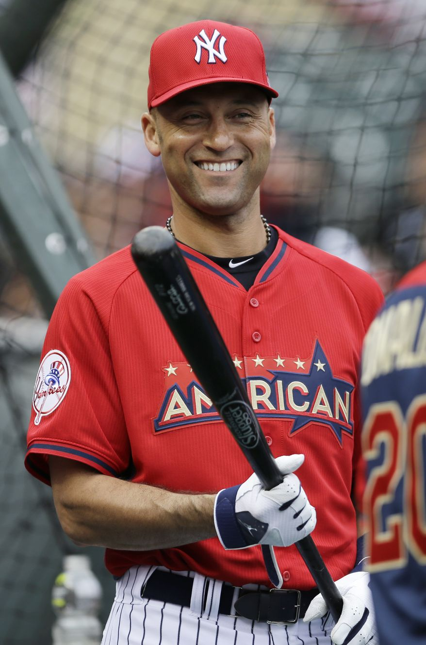 American League short stop Derek Jeter, of the New York Yankees, waits to hit during batting practice for the MLB All-Star baseball game, Monday, July 14, 2014, in Minneapolis. (AP Photo/Jeff Roberson)