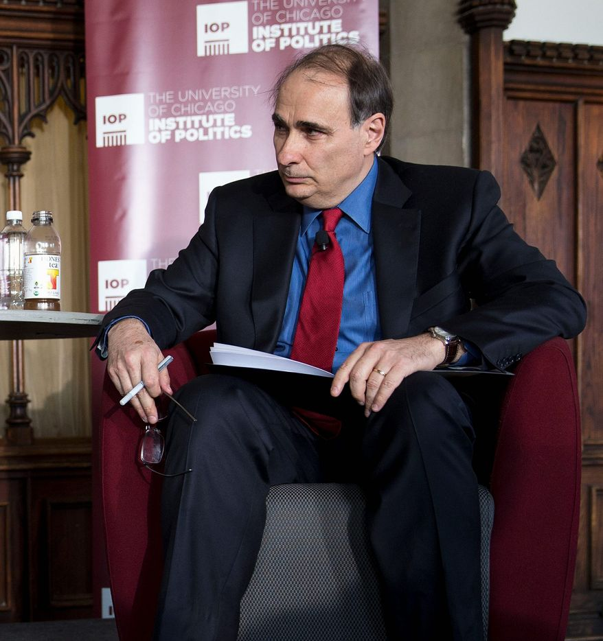 Moderator David Axelrod during an event at the University of Chicago's Ida Noyes Hall in Chicago on Tuesday, April 22, 2014. (AP Photo/Andrew A. Nelles) ** FILE **