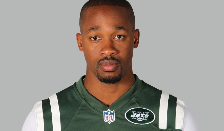 "FILE - This is a 2014, file photo showing Dimitri Patterson of the New York Jets NFL football team. The Jets have ""indefinitely"" suspended cornerback Dimitri Patterson after he left the team for 48 hours without contacting the organization.General manager John Idzik said Monday, Aug. 25, 2014,  that Patterson spoke to him and coach Rex Ryan on Sunday night. Idzik would not discuss the reason for the absence. (AP Photo/File)"