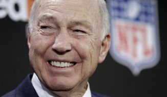"FILE - In this Feb. 2, 2011, file photo, NFL Hall of Fame quarterback Bart Starr smiles during an NFL football news conference in Dallas.  Hall of Fame quarterback and Green Bay Packers great Bart Starr is recovering from a mild stroke. Starr's family said Wednesday, Sept. 10, 2014 in a statement released by the Packers that Starr had the stroke last week. They say the 80-year-old Starr is ""very functional"" and making progress every day, and that doctors are confident he will make a full recovery. (AP Photo/David J. Phillip, File)"