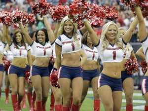 The 15 best cheerleading squads in the NFL