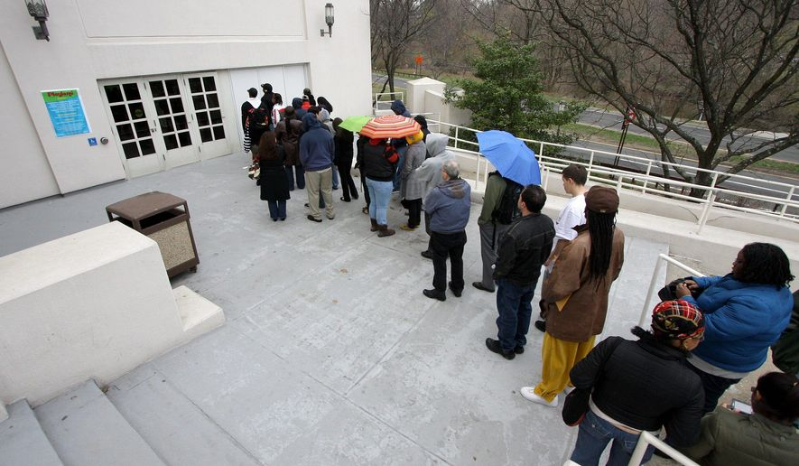 Job applicants line up at the Westchester County Center in White Plains, New York. Only 20 percent of Americans surveyed said they believe trade creates jobs. (Associated Press)