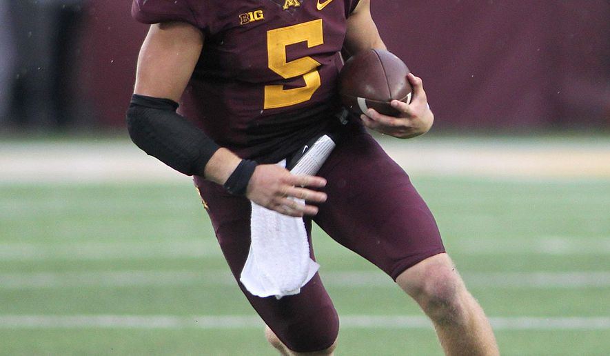 Minnesota quarterback Chris Streveler (5) runs against San Jose State in the third quarter during their NCAA college football game on Saturday, Sept. 20, 2014 in Minneapolis. (AP Photo/Andy Clayton-King)