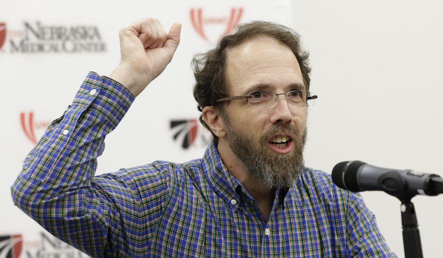 Former Ebola patient Dr. Richard Sacra at a news conference at the Nebraska Medical Center in Omaha, Neb., Sept. 25, 2014. (AP Photo/Nati Harnik)