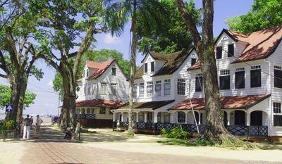 A classic Paramaribo scene. (Photo: Courtesy Government of Suriname)