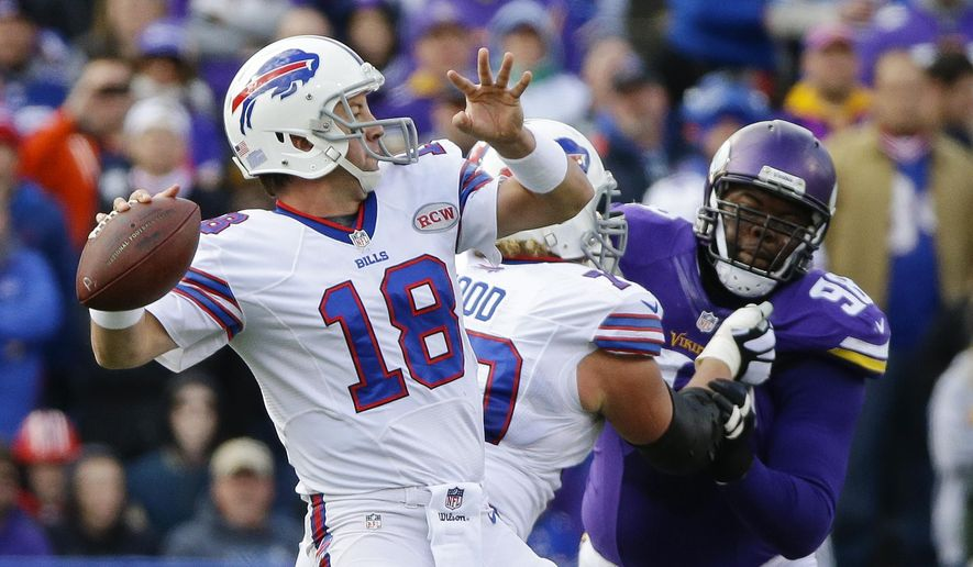 Buffalo Bills quarterback Kyle Orton (18) throws a touchdown pass to Sammy Watkins during the first half of an NFL football game against the Minnesota Vikings, Sunday, Oct. 19, 2014, in Orchard Park, N.Y.  (AP Photo/Bill Wippert)