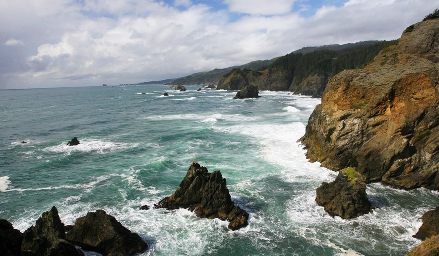 ADVANCE FOR WEEKEND EDITIONS, OCT. 25-26  - This photo taken on October, 2014, shows one of the most dramatic views on Oregon's South Coast at the Samuel H. Boardman State Scenic Corridor features just past Indian Sands, Ore.(AP Photo/Statesman-Journal,  Zach Urness)