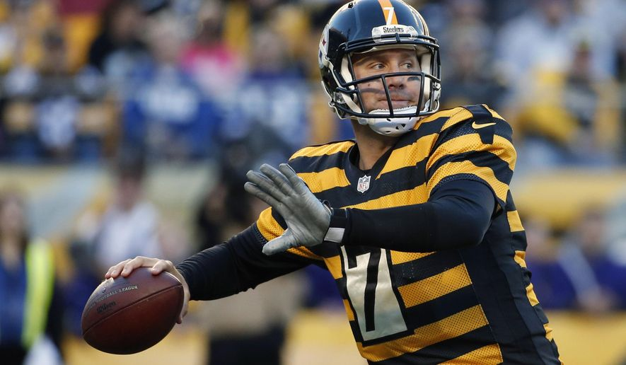 Pittsburgh Steelers quarterback Ben Roethlisberger (7) passes against the Indianapolis Colts in the second quarter of the NFL football game, Sunday, Oct. 26, 2014, in Pittsburgh. (AP Photo/Gene J. Puskar)