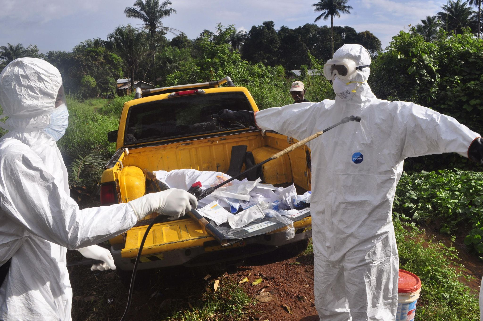 CDC admits Ebola can be passed to others by sneezing