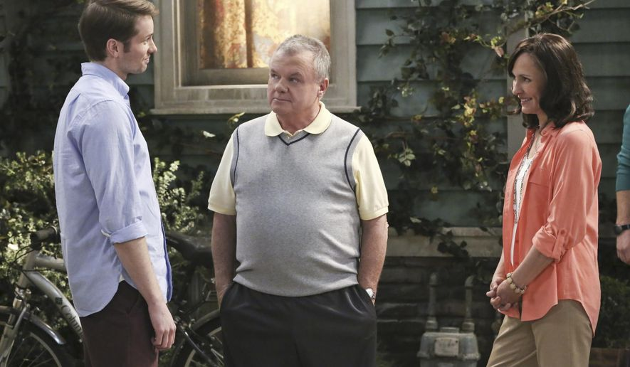 """This 2014 photo provided by CBS shows, from left, Tyler Ritter as Ronny, Jack McGee as Arthur and Laurie Metcalf as Marjorie, in a scene from the pilot for the CBS comedy, """"The McCarthys,"""" premiering Thursday, Oct. 30, 2014 (9:30-10:00 PM, ET/PT) on the CBS television network.  (AP Photo/CBS, Robert Voets)"""