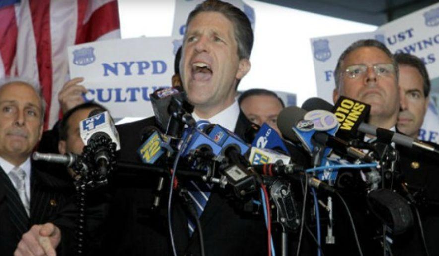 Patrick Lynch, head of the Patrolmen's Benevolent Association. (Associated Press) ** FILE **