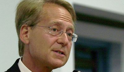 Larry Klayman speaks in Melbourne, Fla. (AP Photo/Peter Cosgrove, File)