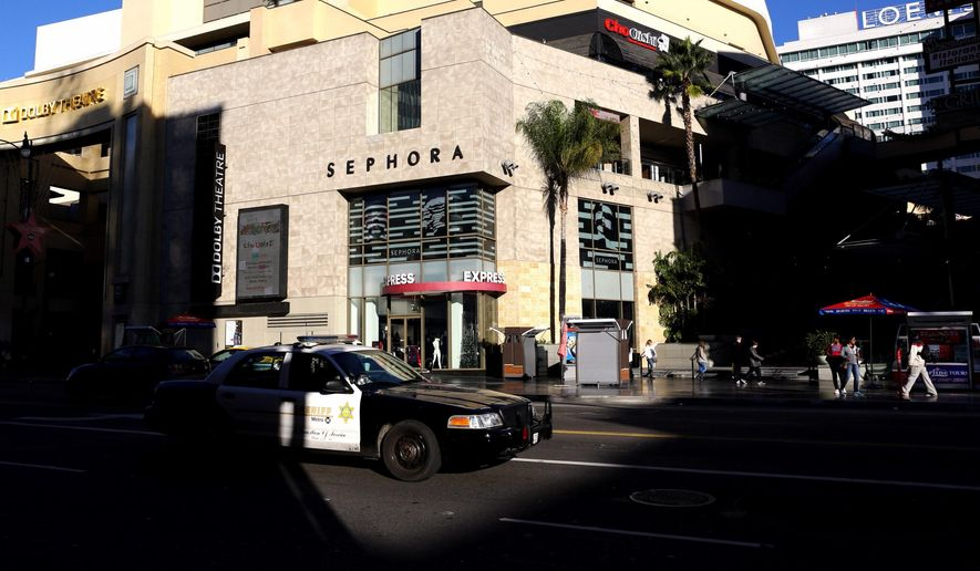 The Hollywood and Highland center is photographed in Los Angeles, Calif., on Dec. 26, 2014.  A police officer shot a woman in the leg early Friday near the center  after she fought with another woman and pointed a gun at the officer, authorities said. (AP Photo/Los Angeles Times, Marcus Yam)  NO FORNS; NO SALES; MAGS OUT; ORANGE COUNTY REGISTER OUT; LOS ANGELES DAILY NEWS OUT; INLAND VALLEY DAILY BULLETIN OUT; MANDATORY CREDIT, TV OUT