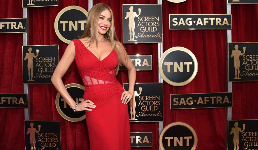 Sofia Vergara arrives at the 21st annual Screen Actors Guild Awards at the Shrine Auditorium on Sunday, Jan. 25, 2015, in Los Angeles. (Photo by John Shearer/Invision/AP) ** FILE **