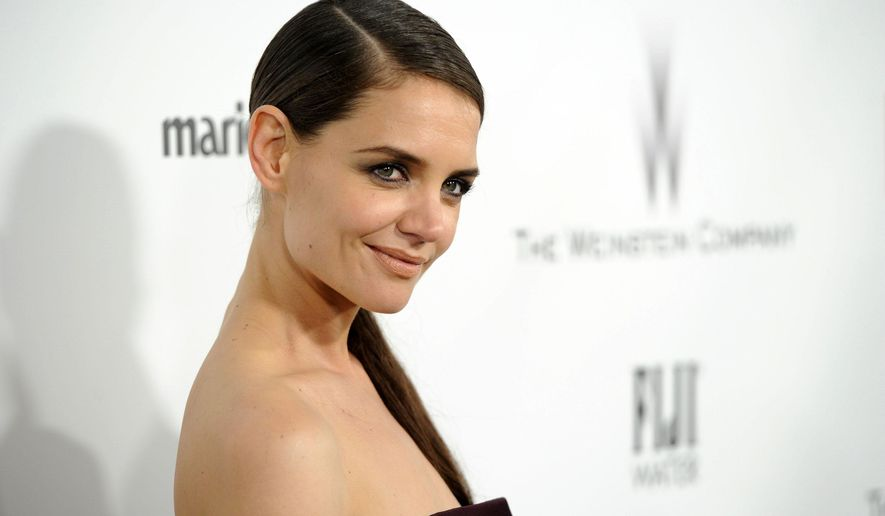 "FILE - In this Jan. 11, 2015 file photo, Katie Holmes arrives at The Weinstein Company and Netflix Golden Globes afterparty at the Beverly Hilton Hotel in Beverly Hills, Calif. Holmes is joining the Showtime drama ""Ray Donovan"" for its upcoming third season. The former ""Dawson's Creek"" star will play the businesswoman Paige, a daughter of billionaire producer Andrew Finney, who is portrayed by Ian McShane. Finney enlists the services of the show's title character, a Hollywood fixer played by Liev Schreiber. (Photo by Chris Pizzello/Invision/AP, File)"