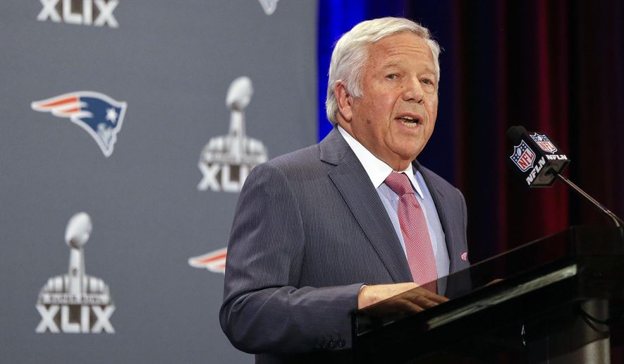 New England Patriots owner Robert Kraft reads a statement during a news conference Monday, Jan. 26, 2015, in Chandler, Ariz. The Patriots play the Seattle Seahawks in NFL football Super Bowl XLIX Sunday, Feb. 1, in Phoenix. (AP Photo/Mark Humphrey)