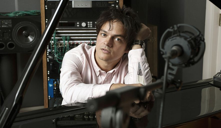 """This undated photo released by Blue Note Records shows singer-pianist Jamie Cullum. Cullum's latest release is """"Interlude."""" (AP Photo/Blue Note Records, McVirn Etienne)"""
