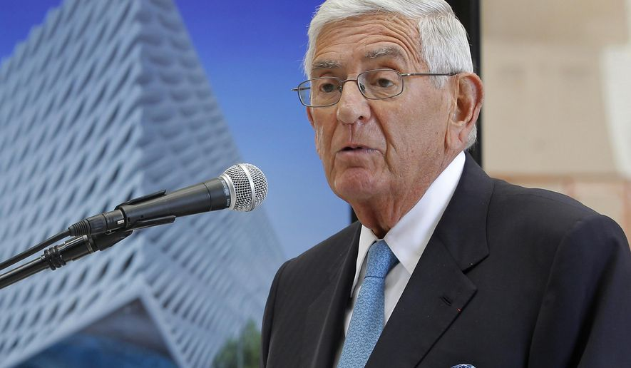 "FILE - In this Sept. 17, 2014 file photo, billionaire philanthropist Eli Broad speaks during a presentation of his half-completed museum, ""The Broad""  in Los Angeles. A foundation started by Broad has suspended a national prize, Broad Prize for Urban Education, awarded annually to a top-performing urban school system. The $1 million prize was pulled amid concerns that the schools are failing to improve quickly enough. (AP Photo/Nick Ut,File)"