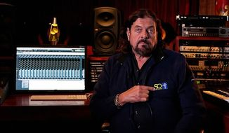 British musician and songwriter Alan Parsons refused to cancel his performance in Tel Aviv on Tuesday, despite a personal appeal from former Pink Floyd frontman Roger Waters. (Wikimedia Commons)