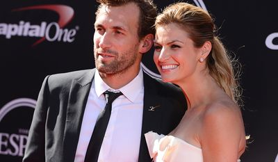 TV personality Erin Andrews and LA Kings Jarret Stoll arrive at the ESPY Awards at the Nokia Theatre on Wednesday, July 16, 2014, in Los Angeles. (Photo by Jordan Strauss/Invision/AP)