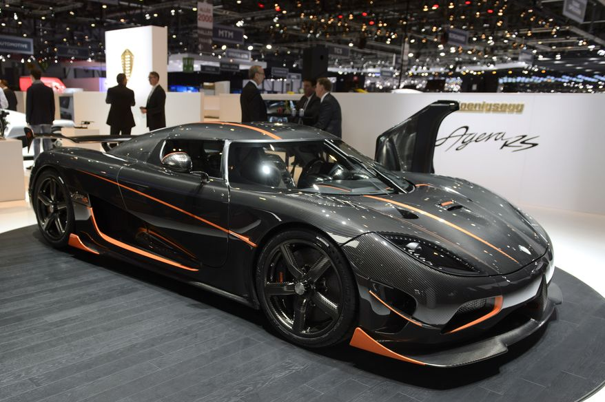 the new koenigsegg agera rs is presented on the first. Black Bedroom Furniture Sets. Home Design Ideas