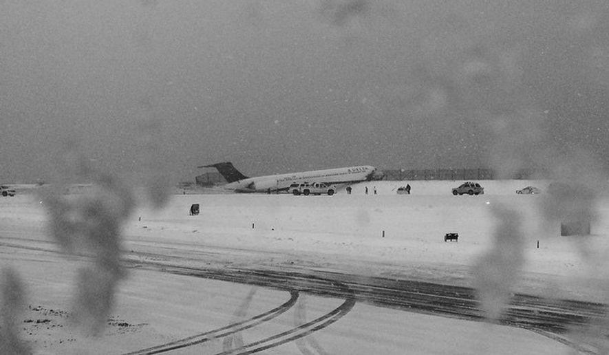 Delta flight skids off runway at LaGuardia Airport in New York. (Instagram: Kristina Grossmann)