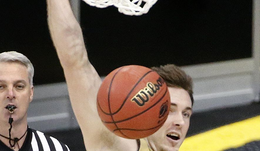 Notre Dame's Pat Connaughton (24) dunks against Butler during the second half of an NCAA college basketball tournament Round of 32 game Saturday, March 21, 2015, in Pittsburgh. (AP Photo/Gene J. Puskar)